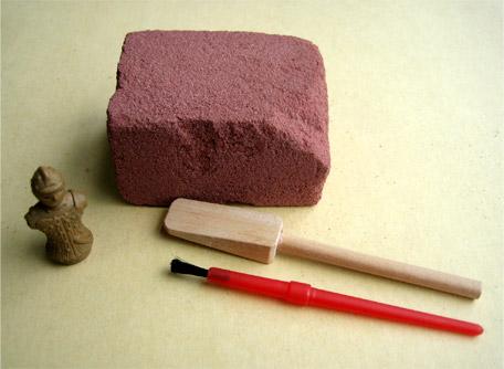 カラフル粘土で勾玉作り
